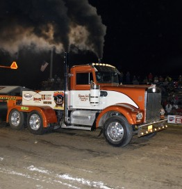 Pro Stock Semi Truck « Thunder in the Valley Tractor Pull
